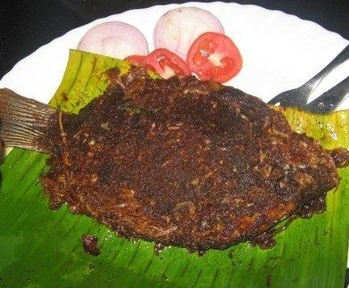 Karimeen Pollichathu (Pearl Spot Fish Fry in Banana Leaves)