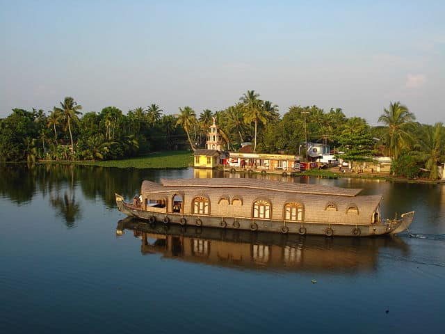 Kerala Houseboat Ride in Kuttanad