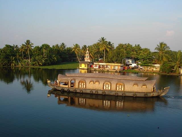 Kerala Houseboat Ride in Kuttanad