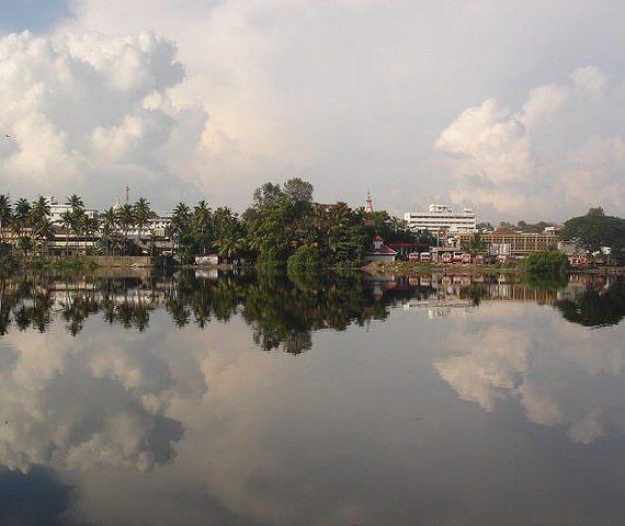 Feel the Beauty of Kollam Backwaters