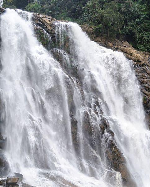 Meenmutty-waterfalls-Wayanad