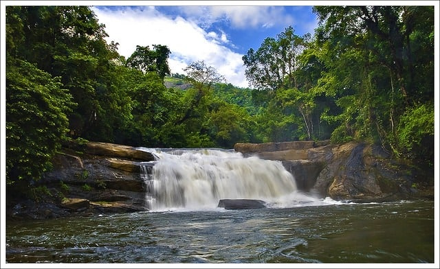 thommankuthu-waterfalls
