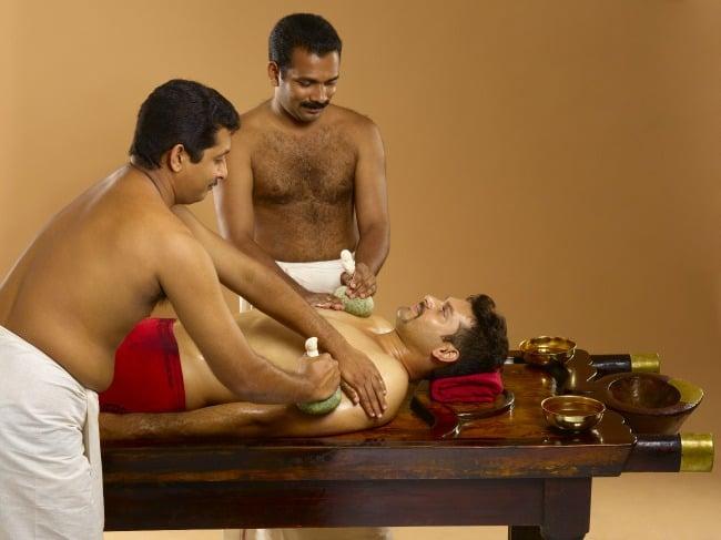 Ilakkizhi Ayurveda Therapy