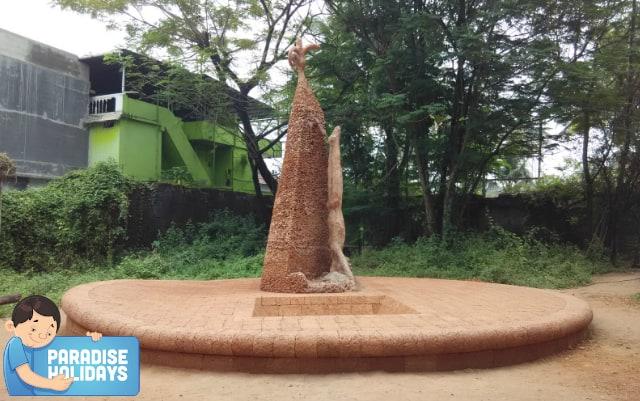 Statue at Cabral Yard