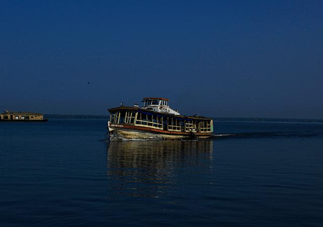 ashtamudi-lake-kollam
