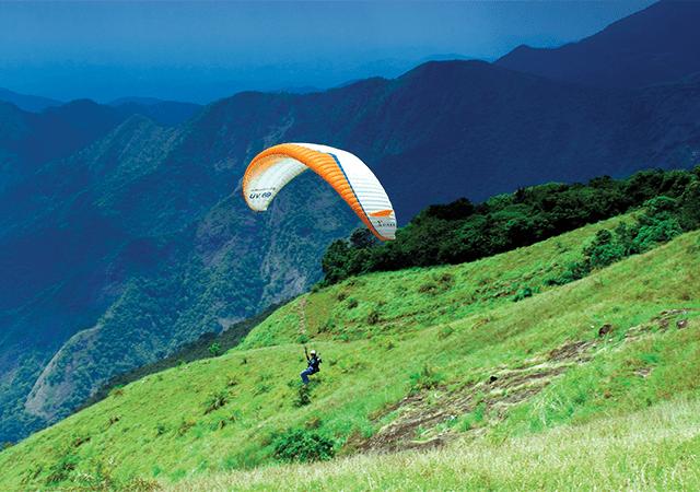 paragliding-at-vagamon