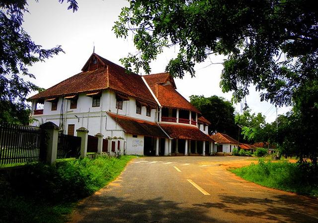 British-Residency-in-Asramam,-Kollam