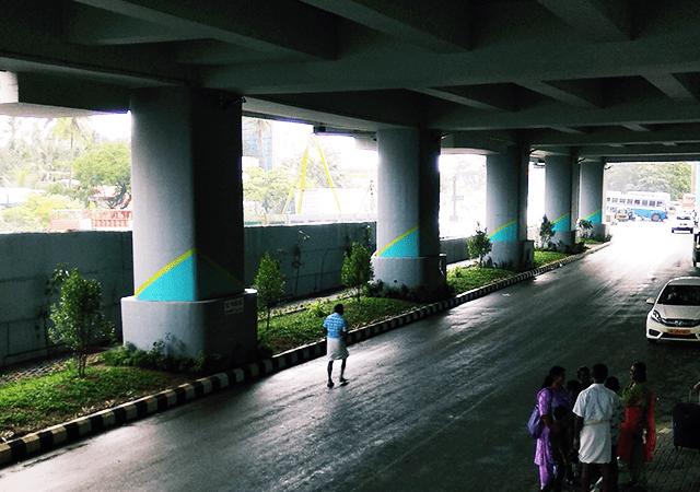 Metro Pillars and Median Garden
