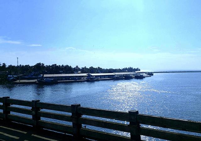 Neendakara Port