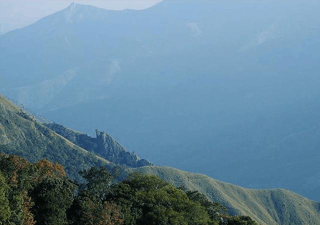 Side view from Ambukuthi Mala