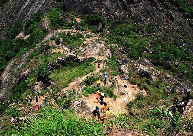 Trekking- Path -to- Edakkal -Caves